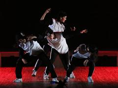 学生から大人までの一般ダンスクラス